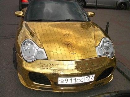 Goldporsche